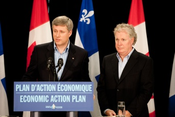 Stephen Harper and Jean Charest at a press conference in Chelsea, Qc.